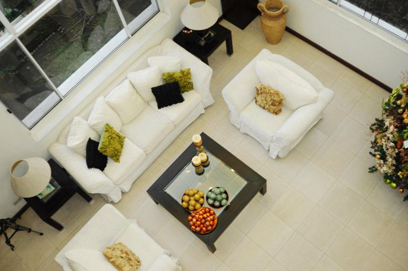 vista real living room top
